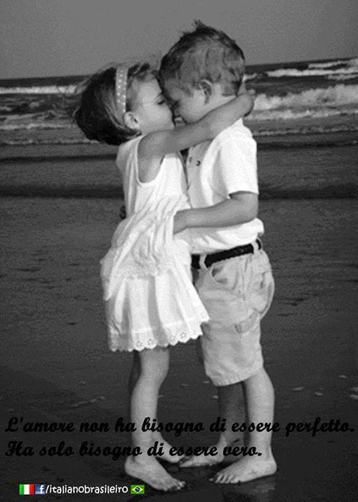 L'amore non ha bisogno di essere perfetto. Ha solo bisogno di essere vero.