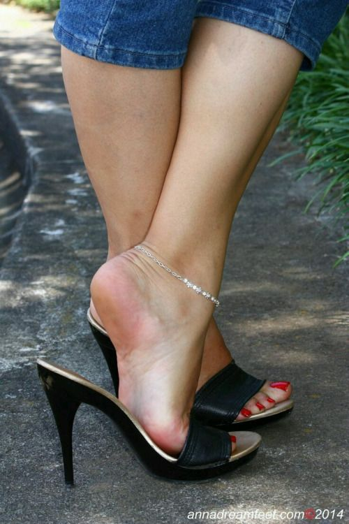 Sexy heels mules dangling full hd preview of my website