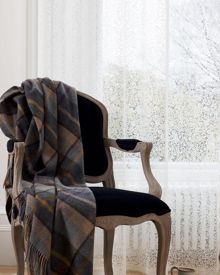 Роскошные шотландские #кружева @mybtextiles1900 всегда можно заказать в #galleria_arben #lace #textiles #light