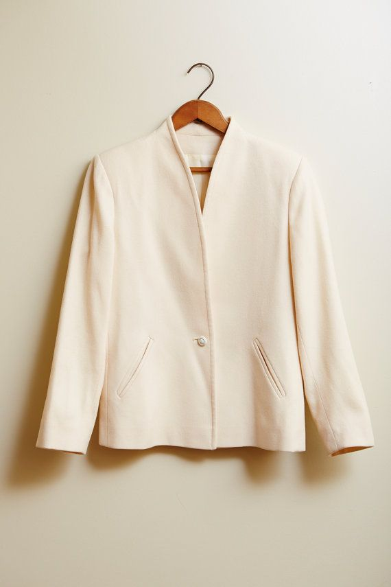 1970s L. C. Mae Cream Wool Jacket with Mandarin Collar and Slit Pockets