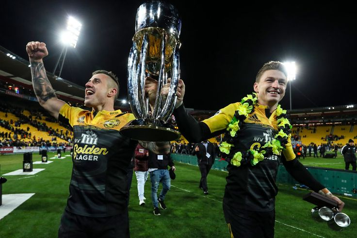 It's Time for the Super Rugby Playoffs! Who's Favored to Win it All? Bookies Paddy Power & William Hill reveal the odds for the 2017 Super Rugby playoffs. Can the Hurricanes defend their title?