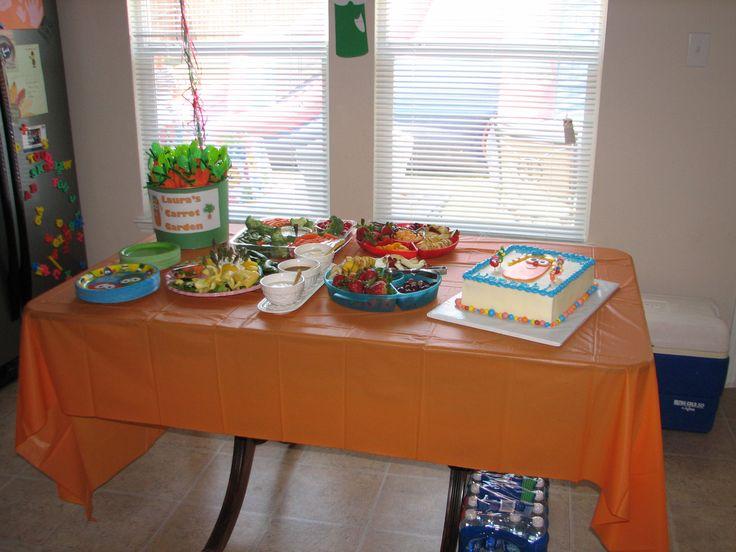 food table and favor idea!