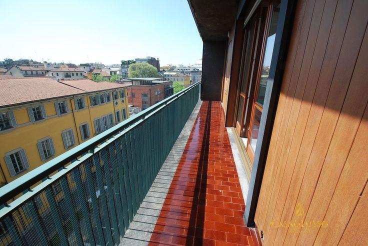 Vendita Appartamenti Milano - Zona Monforte 3 locali con terrazzo Località Venezia - Duse - San Babila
