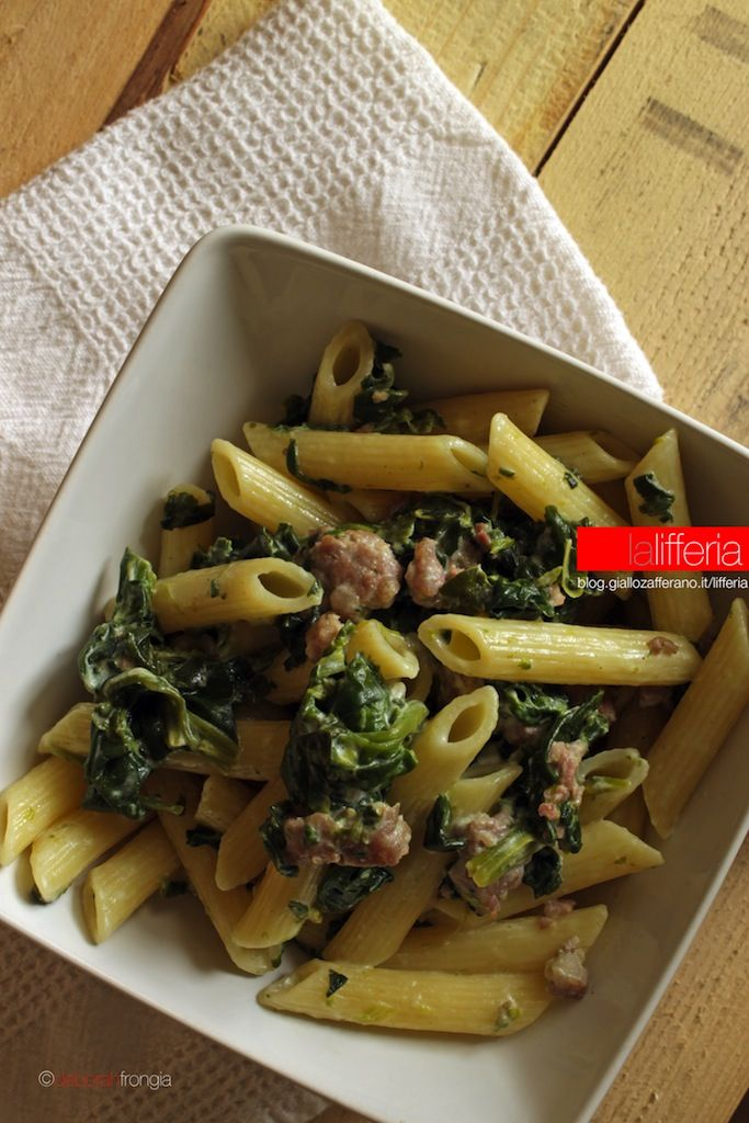 Pasta con spinaci e salsiccia