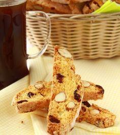 Μπισκότι με αμύγδαλο, σταφίδες και ρούμι | Γιάννης Λουκάκος