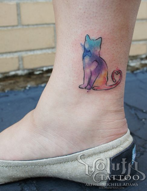 I wouldn't get a cat but I love the idea of a black outline and watercolor inside!