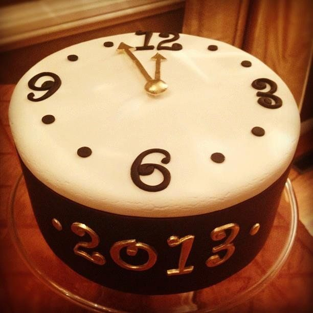 New Year's Eve Cake - by Elisabeth @ CakesDecor.com - cake decorating website