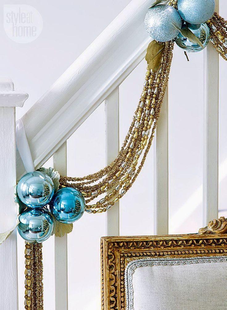 Casinha colorida: Home tour: Natal azul e dourado                                                                                                                                                                                 Mais