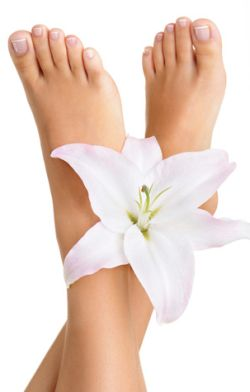 Dry Feet Remedy -  Learn how to get rid of dry skin on your feet just in time for sandal season!