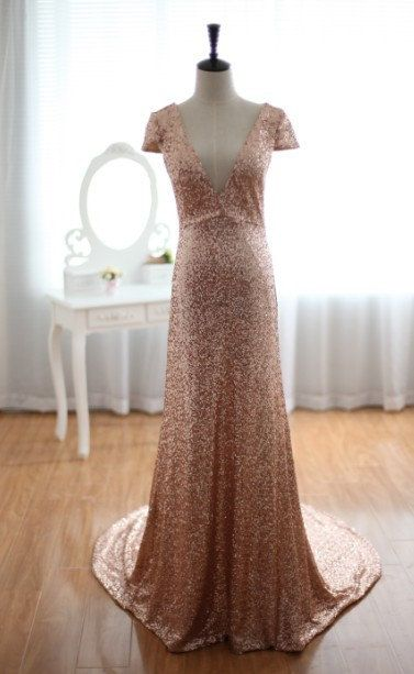 I REALLY like this sequin dress! What do you think? Etsy Thursday: Gold Sequin Wedding  Find more #Etsy #wedding inspiration on 3d-memoirs.com!