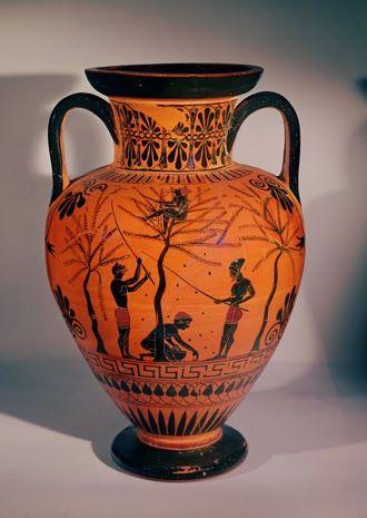 Είδαμε εικόνες από την ελιά στην αρχαιότητα.Στην αρχαία Ελλάδα οι Έλληνες θεωρούσαν την ελιά ιερό δέντρο και τηνεκμεταλλεύονταν στο έπακρ...