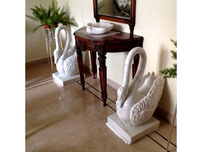 """Product Name : White Marble Swan Product Code : SKU : LE-22 Dimension : 13"""" X 18"""" X 30"""" This creatively designed and handcrafted Art-piece ..."""