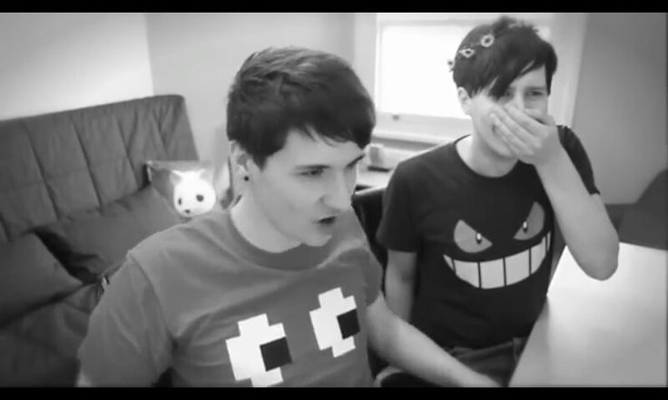 Dan and phil reading fanfiction youtube obsessions pinterest