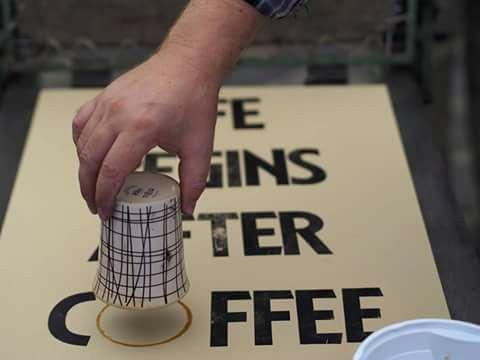 #lifebeginsaftercoffee #szililetterpress #kezmuvesnyomdamuhelyholloko #coffee #typography #letterpress #woodtype