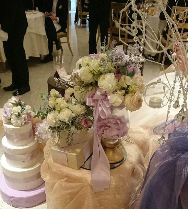 ✳︎ 左後ろ側から 後ろから見ても可愛い ✳︎  #ウエディングレポ #ウエディング#結婚式#卒花嫁 #プレ花嫁#高砂装花#高砂ソファ#高砂#装花#バレンタイン#ラプンツェル#プレゼントボックス#キャンドル