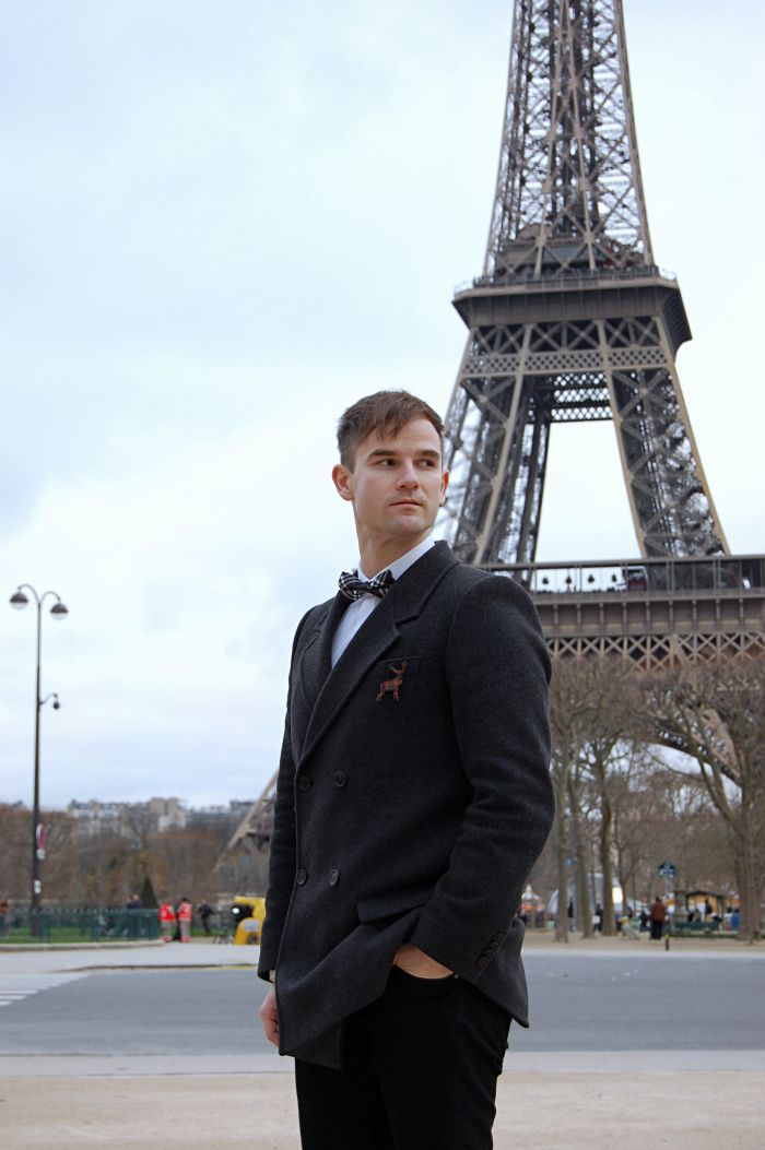 paris street style autumn/winter, trendy look, bow tie, isabel marant, eiffel tower