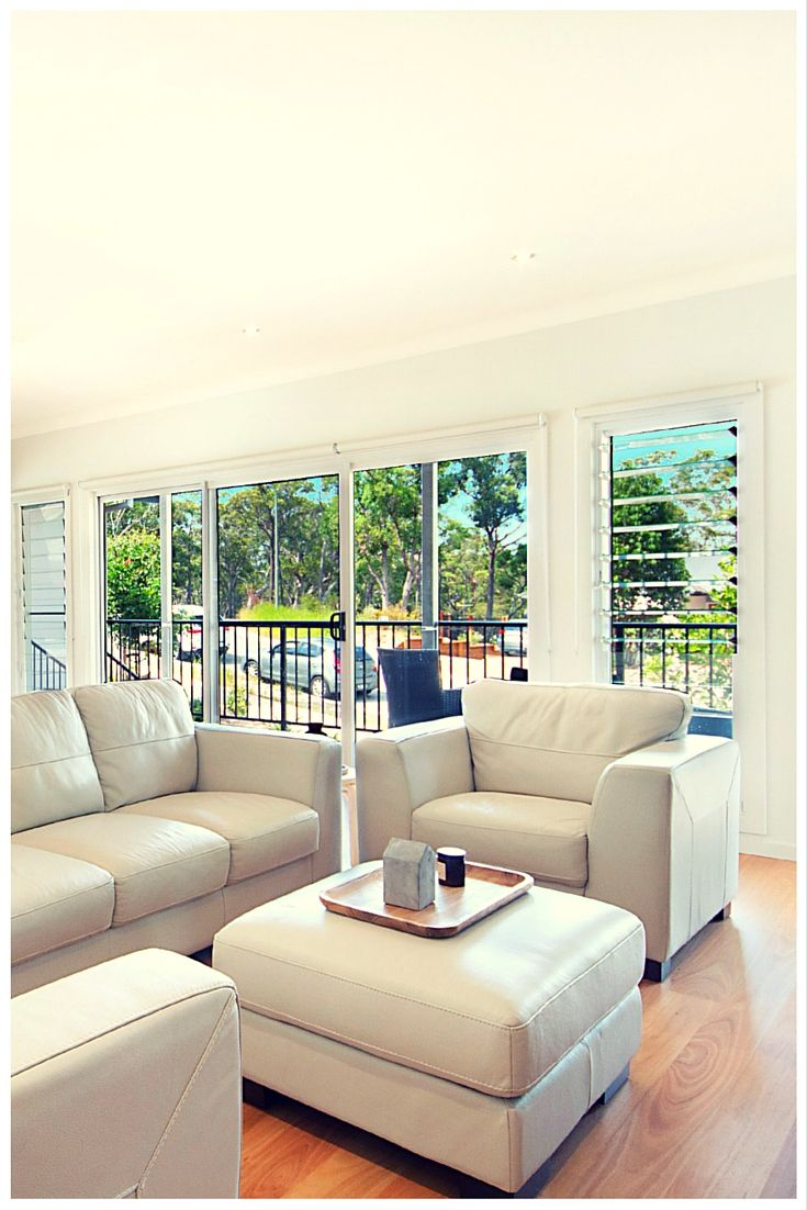Louvre windows and sliding door by Wideline. Home by Crighton Homes. www.wideline.com.au