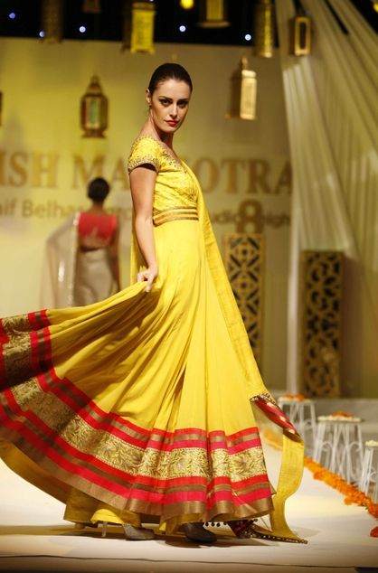 Manish Malhotra's Catwalk Extravaganza for Studio 8