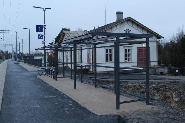 Uutta ja vanhaa. Lapua rautatieasema. kuva Ville Hautamäki