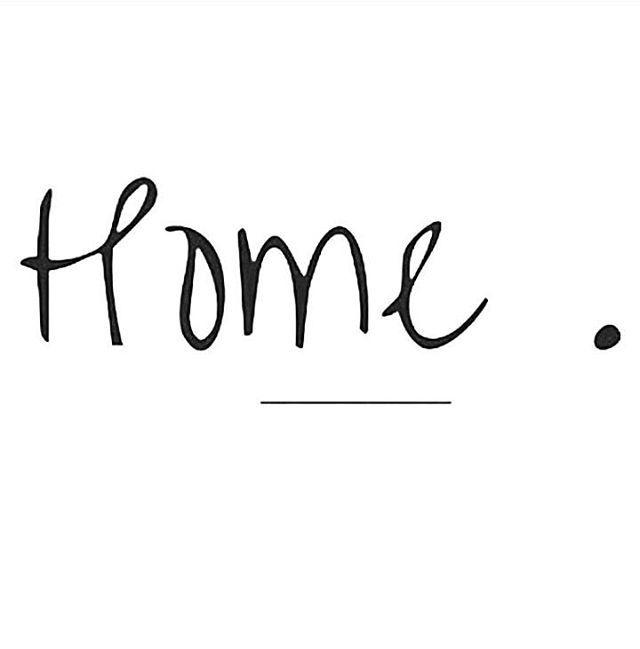 Nog even alleen thuis (Alfred is vandaag al vroeg aan het werk gegaan bij zijn ouders in de schuur/loods die ze pas hebben gekocht en waar nog een hoop moet gebeuren) straks mag ik ook aan de arbeid en vanavond heerlijk niks/weekend!! Zo'n zinin en ook wel aan toe eerlijk gezegd ga lekker bubbelen met een tijdschriftje en @lush_nl in bad vanavond! Hebben jullie al plannen voor vanavond?