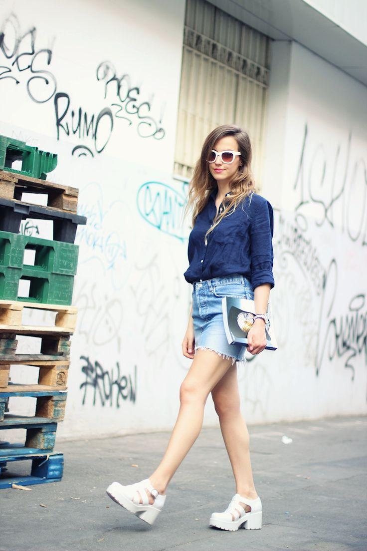 Boyfriend Shirt ---   shirt/camisa: GAP skirt/falda: Levi's vintage watch/reloj: Daniel Wellington sunglasses/gafas de sol: Zara rings/anillos: River Island sandals/sandalias: Vagabond