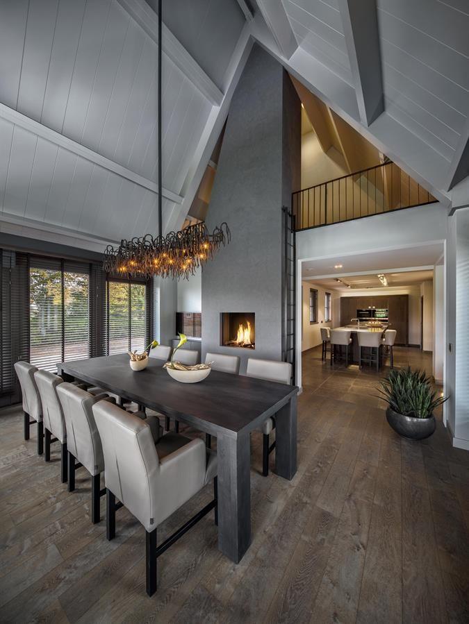 25 beste idee n over grijs plafond op pinterest donkere plafond verf plafond en plafond kleur - Eigentijdse eetkamer decoratie ...
