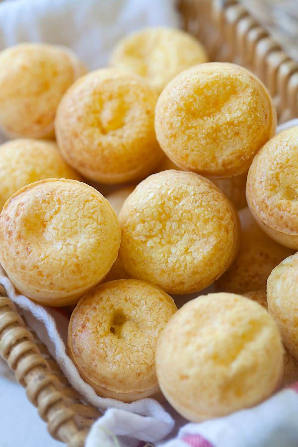 Yummy Brazilian cheese bread (Pão de Queijo) recipe. Easy 20 mins recipe and yields the best homemade brazilian cheese bread (Pão de Queijo). They're SO GOOD and you just can't stop eating them | rasamalaysia.com