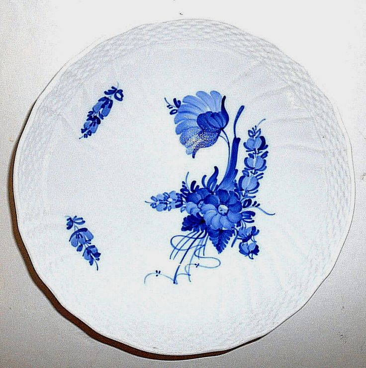 "ROYAL COPENHAGEN Blue Flowers Braided Serving Bowl 8.25"" 10/1528 1973 Vtg EUC  #ROYALCOPENHAGEN"