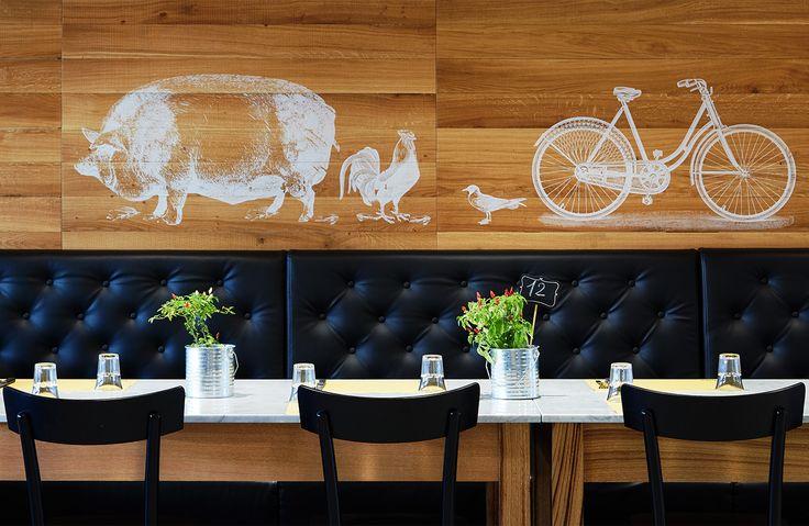 1492 is a pizza&grill located in Salerno. Concept&design by Bilodunk Studio. #restaurant #pizzeria #grill #meat #retro #vintage #hipster #design #wallpaper #milanochair #pizza #bilodunk #design #boiserie #sofa #pork #pig #cycle