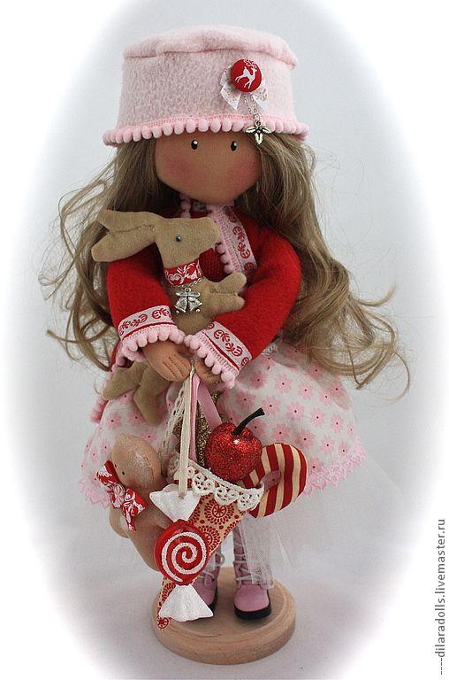 Купить текстильная кукла MELANIE - ярко-красный, подарок, подарок девушке, подарок женщине ♡
