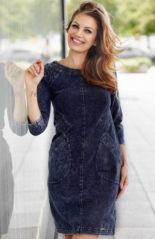 Aurora M228 sukienka Komfortowa sukienka, wykonana z materiału imitującego jeans, prosty fason doskonale sprawdzi się na co dzień