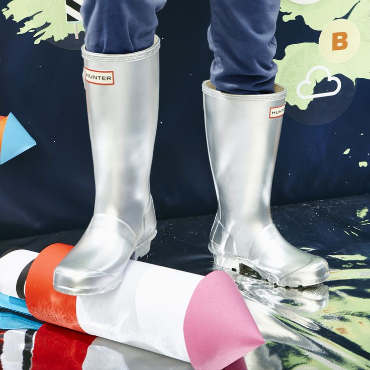 Original Kids Metal Wellington Boots | Presented in metallic finish for the new season, the handcrafted Original Kids' welly forms a smaller version of the iconic adult boot with graded leg heights for growing kids.