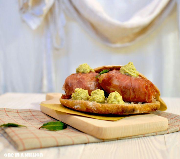 """""""Puccia tradizionale rivisitata per La Cucina italiana nel Mondo"""", la ricetta di Monica del blog """"One In a Million"""" http://yayetta-oneinamillion.blogspot.it/2014/07/puccia-tradizionale-rivisitata-per-la.html"""