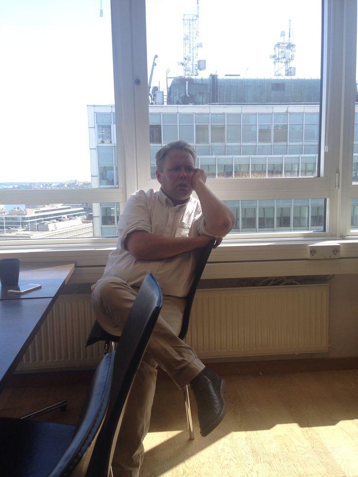 Kollegan Fredrik Sjöshult på konferens.