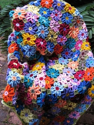 Lots and lots of crochet flowers x