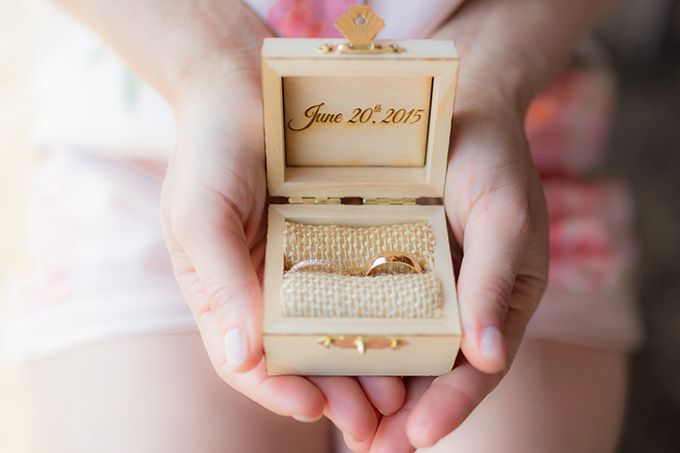 ring box | Mathew Irving Photography | Glamour & Grace