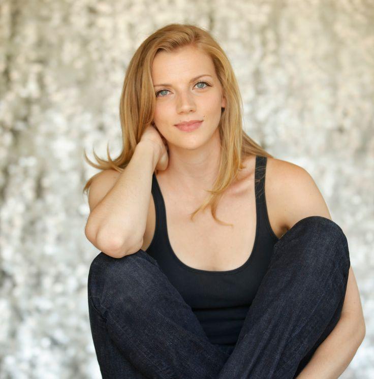 Hottest Woman 12/11/15 - KARA KILLMER (Chicago Fire