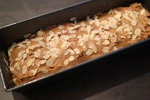 Sinterklaas: Speculaascake met appel (aanpassing recept, geen appel middenin omdat hierdoor de cake nat bleef)