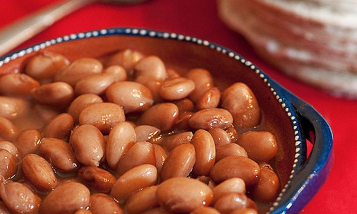 Los frijoles son unas leguminosas muy nutritivas, no pueden faltar en tu mesa son perfectos para acompañar tus platillos favoritos. Los puedes hacer en olla de barro o en olla express.