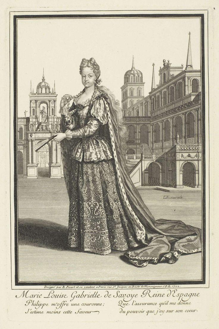 Etienne Picart | Portret van Marie Louise van Savoye, koningin van Spanje, Etienne Picart, Lodewijk XIV (koning van Frankrijk), 1702 | Portret van Marie Louise van Savoye, koningin van Spanje. Zij houdt een gesloten waaier in de linkerhand, met de rechterhand houdt zij een van haar twee vlechten vast. Over haar japon draagt ze een mantel, afgezet met hermelijn. Op de achtergrond het Escorial. In de marge een vierregelig liefdesgedicht, in twee kolommen, in het Frans.