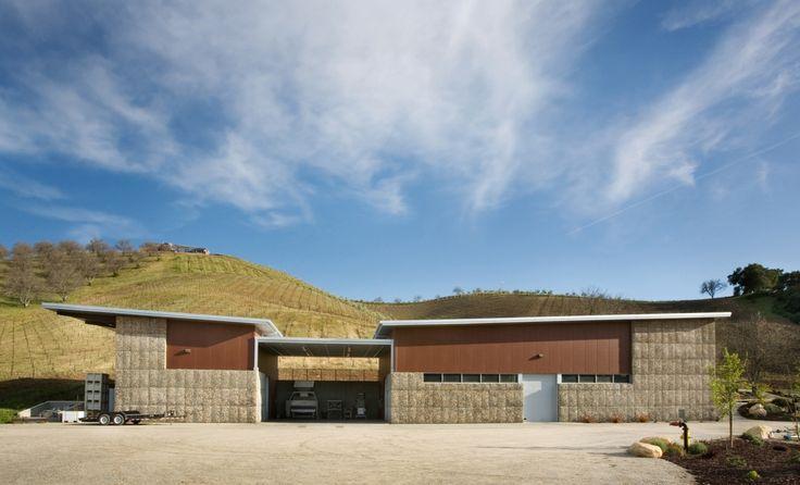 Kukkula Winery by Studio B Architects _Image © Derek Skalko