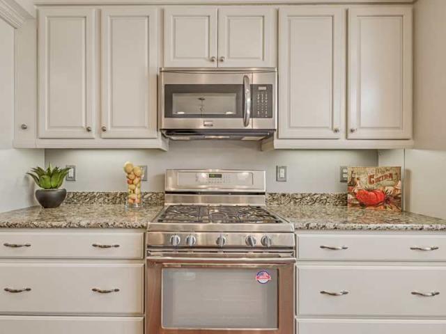 Best Signature Kitchen Bath Merillat Classic Cabinets 400 x 300