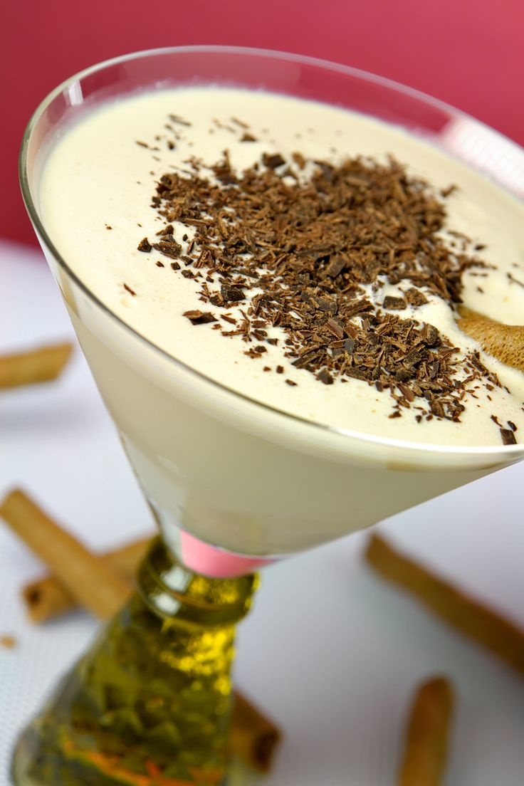White Christmas cocktail: Fill a glass with all of the following holiday drink recipe ingredients: 4 ounces of eggnog, ½ ounce of white chocolate liqueur, and 1 ounce of Southern Comfort. Sprinkle the top of the drink with chocolate flakes for a decadent finishing touch.