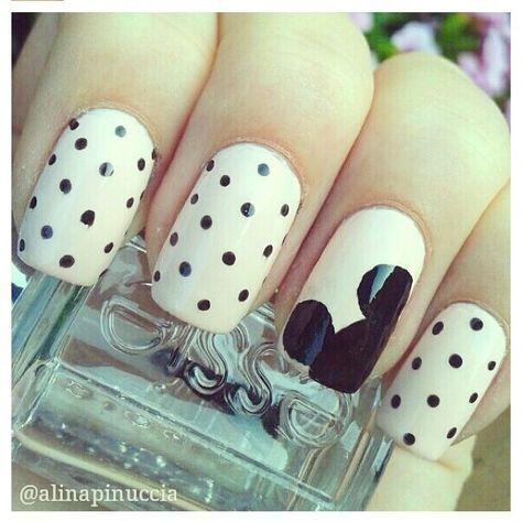 """26 Mickey Mouse Nail Art Ideas 