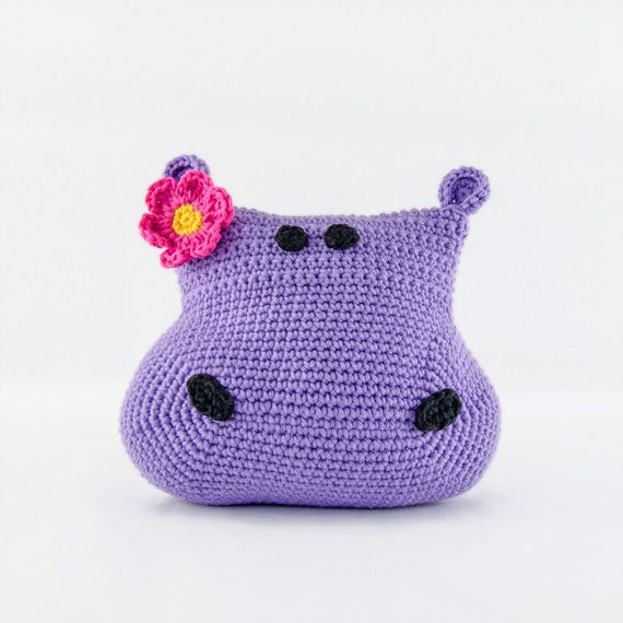 This is an adorable hippo cushion. Perfect for decorating the room of your little princess. Would you like to give her a hug?