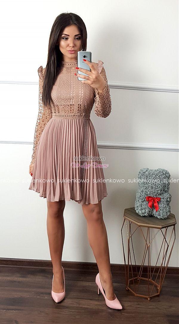 b1fb792e8d19d4 Sukienkowo.com - KAREN - Plisowana sukienka z gipiurami boho róż ...