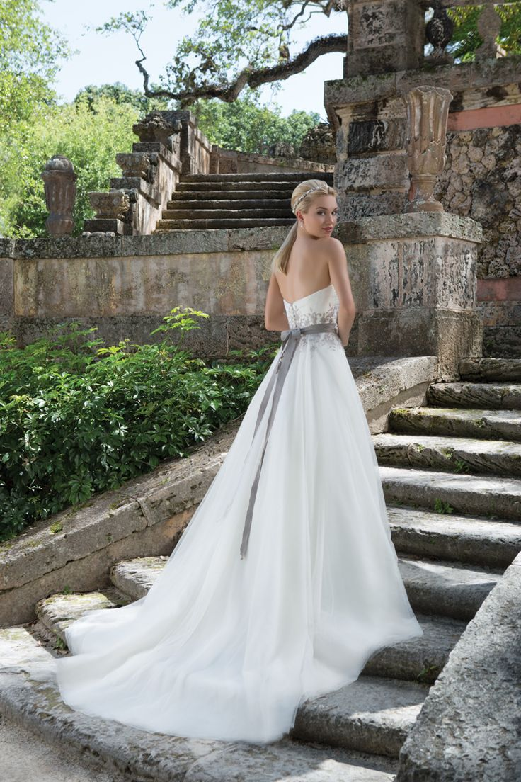 Timeless modern wedding dress - Sincerity Bridal Wedding Dress - Spring 2016 bridal collection | itakeyou.co.uk #weddingdress: