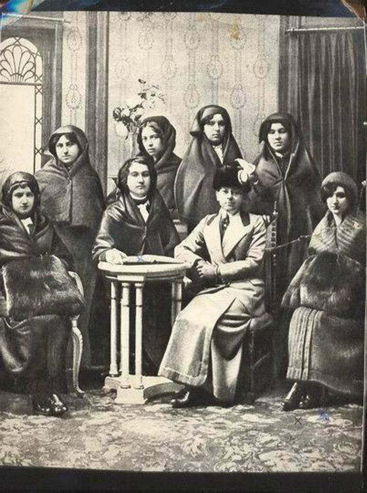 İLK TELEFON MEMURELERİ.1912, İstanbulda telefon hizmeti veren Dersaadet Telefon Anonim Şirket-i Osmaniyesi
