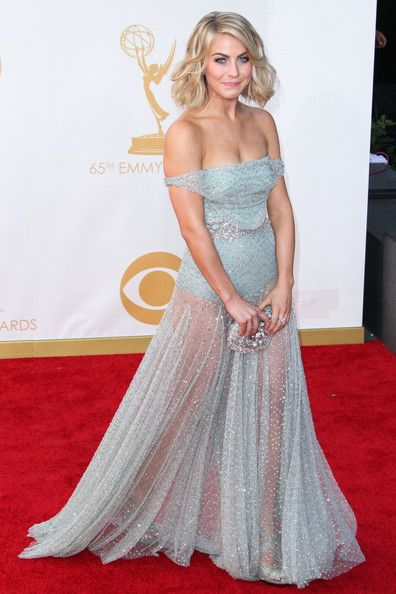 Julianne Hough Photos Photos - Julianne Hough attends the 65th Annual Primetime Emmy Awards held at Nokia Theatre L.A. Live in Los Angeles. - Arrivals at the 65th Annual Primetime Emmy Awards