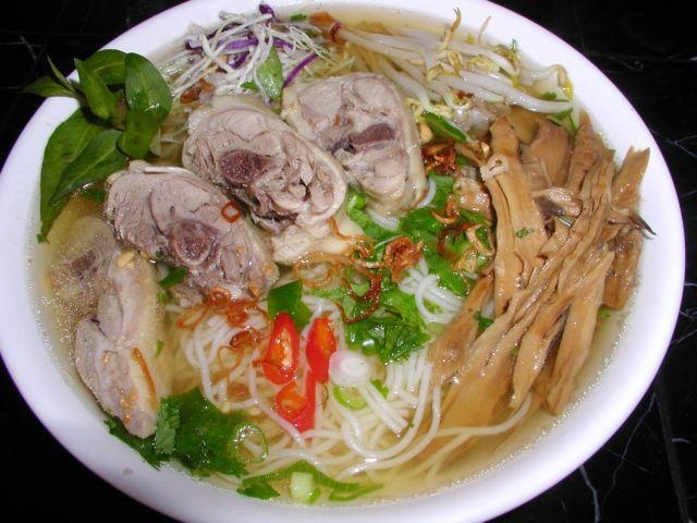 noodles and rice noodle  Foodelicious soup Pinterest (rice) Chicken